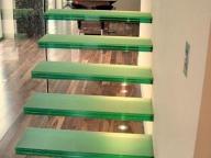Лестница стеклянная 2
