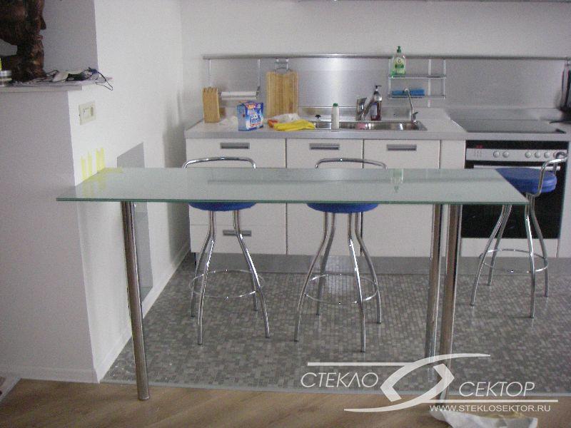 Увеличить фото: Стеклянный стол на кухню T618 R/B