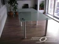 стол из матового стекла 10мм
