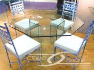 Стол из стекла шестигранный