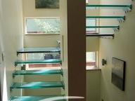 Лестница стеклянная 3